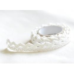 Lace tape / puntilla adhesiva. Crochet blanco. 15mmx2 m Aprox.