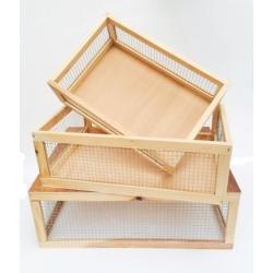 Set de 4 cestos de malla metálica y madera