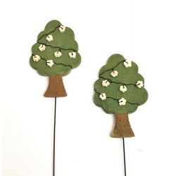 12 picks de madera en forma de arbol